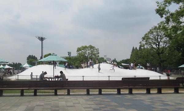 京都競馬場のふわふわ遊具