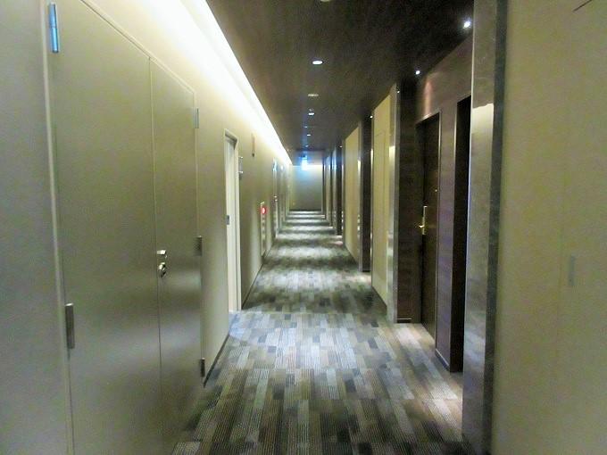 ホテルアベストグランデ岡山の廊下